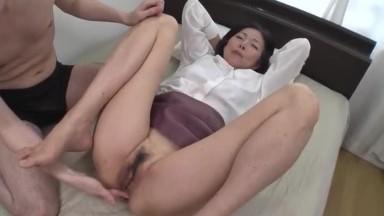 贪玩肛门的苗条人妻~青山爱02